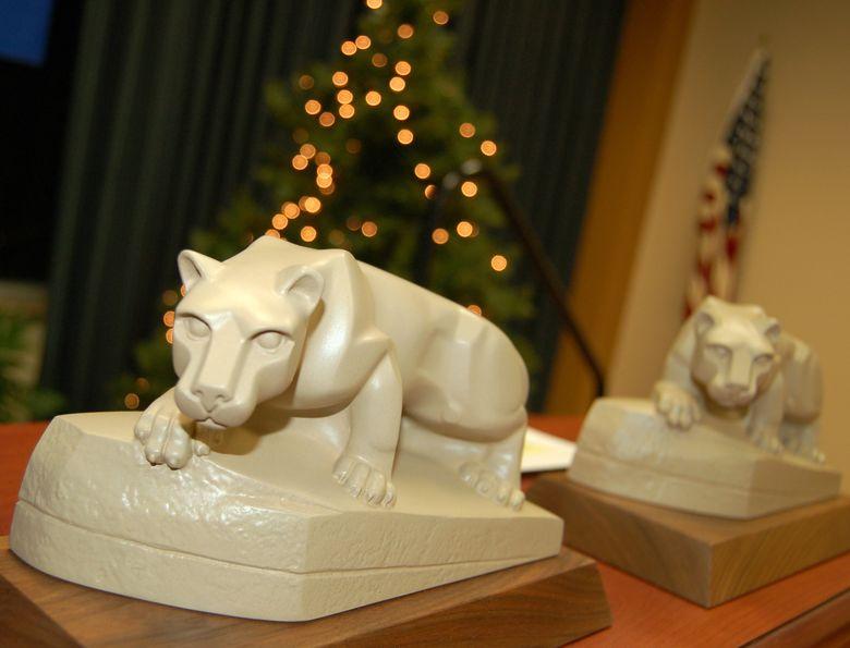 mini lion statue