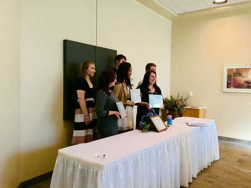 2016 Psi Chi inductees with current members